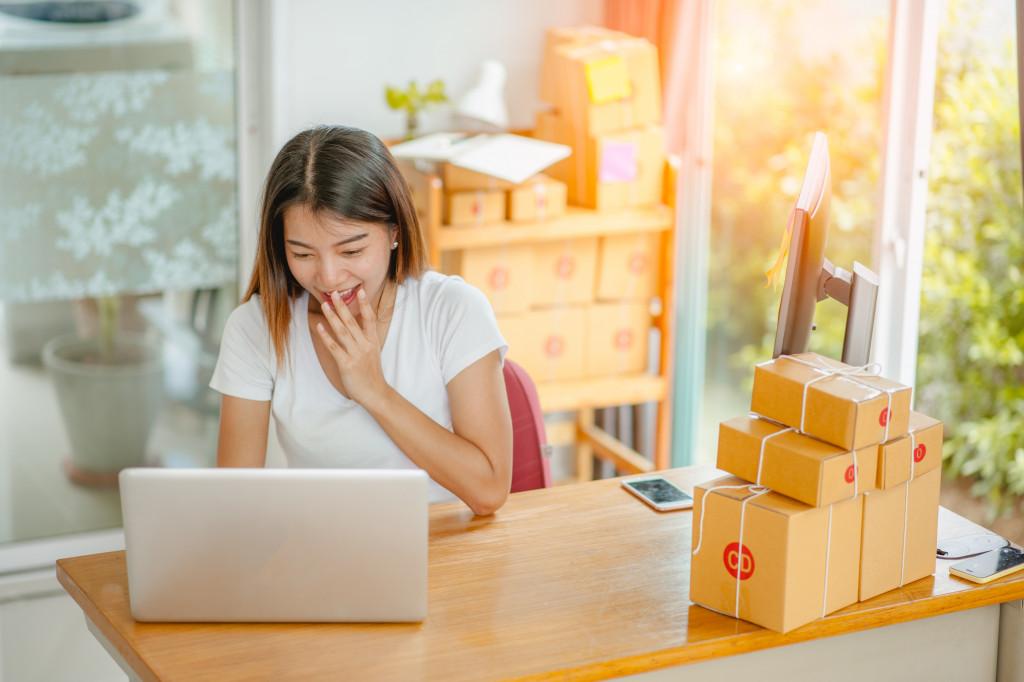 online business woman concept